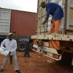 #Uganda President @KagutaMuseveni helps load food on to a truck. It is heading to South Sudan http://t.co/FS8fDJKWnw