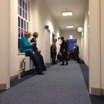 En ook aan de andere kant van de VVD-gang wachten reporters #kerstcrisis http://t.co/Q82UIGfmh9