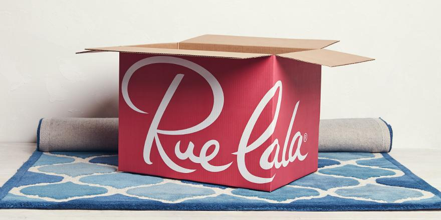 This plush rug needs a floor to decorate. RT for a chance to win it. 18+: http://t.co/JCHcUhTwNh #RedRueBox http://t.co/m4AfvrqYP0