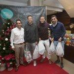Javi, Dani y @Hernan__90 participaron en la recogida de alimentos del @ClublaCornisaGC #MásSolidarios http://t.co/fLUowwdpm1