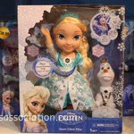 20,000 fake Frozen dolls seized in Dublin. They could hardly let THAT go, could they? http://t.co/mgTsd2YeiM http://t.co/RJOKd32Tg4