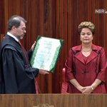 """Da mesma laia """"@RevistaISTOE: Toffoli diz: Uma honra assinar esse diploma a vossa excelência"""" http://t.co/aAdcJ6zw3q"""""""