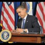 Ayayay RT @jlyajure: Obama firma sanciones a venezolanos por DDHH http://t.co/3flJIzH2zV http://t.co/Ee9p7oYpwr