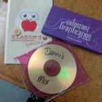 OMG!!!! I GOT A MIX CD!!!!!!!!! Hold on while I run out to car to listen!! #NZSecretSanta ♥ http://t.co/u6GkgtqEaw