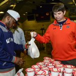@AuburnMBB Joining together to end child hunger. @JasonDufnerFdtn @AUFAMILY #hungerisntagame http://t.co/SXKPdY8v5C