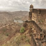 Jaigarh Fort, a towering edifice of #India http://t.co/vUTyK5OBaq