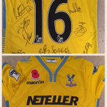 Giving this signed shirt from United away to crystal palace fan before 9pm just RT #cpfc http://t.co/Kaa926retN