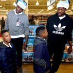 .@aa000G9 & @MacBo50 took 200 @BGCMemphis kids on a holiday shopping spree giving each kid a $100 gift card to spend! http://t.co/NAB4vsc9z1