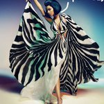 .@NICKIMINAJ's campaign ads for Roberto Cavalli are high-fashion hotness! http://t.co/41sEjedwV4 http://t.co/JD7MdMTWv8