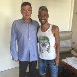 """""""Certas coisas na vida nem sempre acontece da forma que planejamos..."""" Léo Moura em seu Instagram. Saindo do Fla? http://t.co/UDo32yD9i8"""