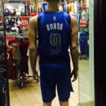 Rondo Mavs jersey in store is either photoshopped or a one-off. Told they are not on sale yet http://t.co/g999OvQAOM