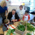 Great to see you all @tasteandseason at #Redcliffe Childrens Centre - inspiration for #Bristol schools @Bristol_2015 http://t.co/qFBGHLmjzA