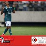 Tricolor leva a melhor sobre o Palmeiras e contrata Thiago Mendes. Saiba mais: http://t.co/6UaaF4uqh2 http://t.co/Un0QcBm7l9