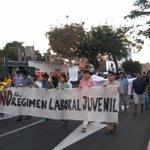Protesta contra la Ley Pulpin en #Trujillo Abajo la ley laboral juvenil! #NoAlRegimenLaboralParaJovenes http://t.co/FQgkhUKLU4