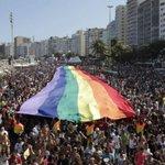 PM vai combater casos de homofobia nas festas de fim de ano. http://t.co/3KbCC6dl5Y http://t.co/zUlvLNs9yD