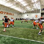 After 4 days off during finals, the #Illini resumed bowl practice at the Irwin Indoor Practice Complex today. http://t.co/QPyAcE0SVh