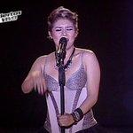 """#EquipoJerry: Rubí Palomino llena de energía el escenario y canta """"Chandelier"""". Participa usando el HT #SaladeRedes http://t.co/sRSYsUpGfL"""