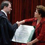 Na diplomação de Dilma, Toffoli faz discurso contra terceiro turno http://t.co/Et2fgr0Xz6 http://t.co/cWX04Mv1Lh
