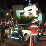 Accidente vehículos calle los carreras frente a santo tomas personas atrapadas bomberos trabaja en el lugar #osorno http://t.co/HTGRbseqvZ