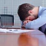 출근 시간을 1시간 늦추면 수면 부족에 도움이 되고 총 수면시간이 20분씩 늘어난다. 10시에 출근해야하는 과학적 이유가 아닐 수 없다. http://t.co/my8y5nUqBZ http://t.co/rYDYDUHsUu