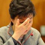 한국갤럽 여론조사 결과 박근혜 대통령 지지율이 37%로 집권 이후 최저치를 기록했습니다. 대구경북 46%를 뺀 나머지 지역은 모두 40%를 밑돌았습니다. http://t.co/xT8kZyQELy http://t.co/cW9kQlpXmv