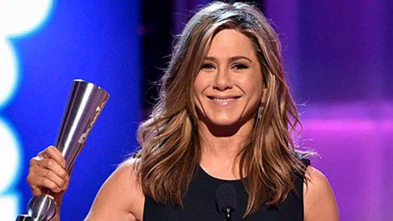 People Magazine Awards: 'Cake' Star Jennifer Aniston Wins First Film-Acting Prize of Career