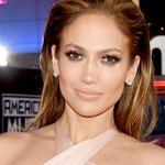 Congrats to PEOPLEs Triple Threat, @JLo! #PEOPLEMagazineAwards http://t.co/2muLBrBePU