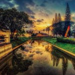 Depan Vredeburg #jogja   Oleh : @syekhdaan http://t.co/zHKpBSoC7U