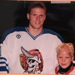 Saku Koivu was one of my favorite players growing up. I was 9 the first time I met him, http://t.co/lf27vBcEwU