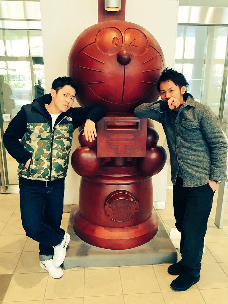 熊本大会にむけて出発!!!写真は高岡駅にあるドラえもんポスト!ドラえもんのハンコを押してくれるらしいです!!記念に写真撮
