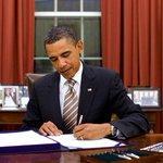 ¡ÚLTIMA HORA! Obama firma ley que sanciona a ENCHUFADOS del régimen de Nicolás Madur http://t.co/JHGs7t1nB9 http://t.co/nmXyZiEVmz