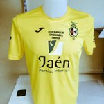 DISPONIBLE la camiseta conmemorativa del @JaenFS para la Copa. Esta noche en el pabellón. PVP: 12€ http://t.co/XCYOIFbZiJ