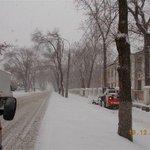 Механизированной подметание тротуара по Заводскому шоссе @Rudakov_i_a, @DepBlagSamara http://t.co/iBgU6STF5o