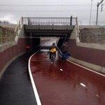 Vandaag open, t fiets/voetpad tussen de rails: Snel v Lunetten naar Galgenwaard/De Uithof of andersom #utrechtfietst! http://t.co/nGRR7zAax6