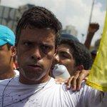 Difieren audiencia de @leopoldolopez para el 5 de enero http://t.co/aNU34kc92W http://t.co/SqT6ijrcWw