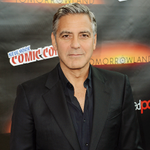 George Clooney is urging Sony to still release #TheInterview -- even if its only online: http://t.co/76D9cKi4NG http://t.co/PlrtI6p5fs