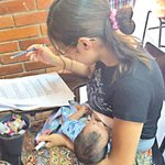 Con su bebé en brazos, logra aprobar el concurso docente http://t.co/K6e83I3CmV http://t.co/pdQpxsZWAy