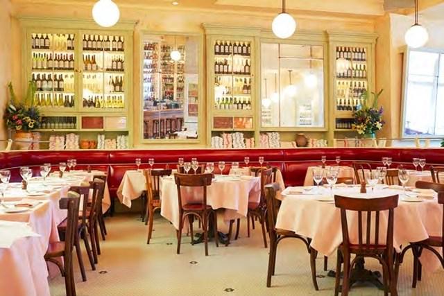 Best new restaurants in Manhattan. Discuss http://t.co/MbTNl1u6Lp http://t.co/wzl40orVzA
