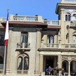 Josefa Errázuriz reconoce que le prestó a su sobrino el palacio municipal para casarse - http://t.co/mzFJuwJ9O5 http://t.co/k5JpoEz7tB