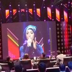 #IndahNevertari sing Animals by @Maroon5, wow! How cool Tweeps!! #RisingStarINAGrandFinal l http://t.co/L6xQ8UhzNb