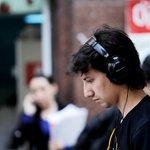 Diputada Carvajal presenta proyecto de ley para sancionar uso de audífonos en la vía pública http://t.co/w43D737dnd http://t.co/npeEnw0qQt