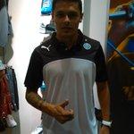 Jorge Salinas nuevo jugador de #Olimpia presente en la presentación oficial de la indumentaria 2015. http://t.co/RCaMstpf2g