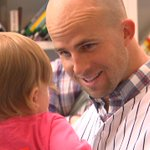 #Yankees OF and former @CofCBaseball star Brett Gardner also stopping by MUSC Childrens Hospital. Really cool moment http://t.co/9yjeJ1Mz5y