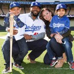 More pics from todays welcome of Howie Kendrick to the Dodgers, via @JonSooHoo. http://t.co/dZEPYMpiNO http://t.co/L8WDP6Y50e