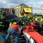 #Osorno Trebol sur, hacia Puerto Octay, dos lesionados, camión impactó movil que realizaba giro - vía @RichyOsorno http://t.co/WbmNra8T9I