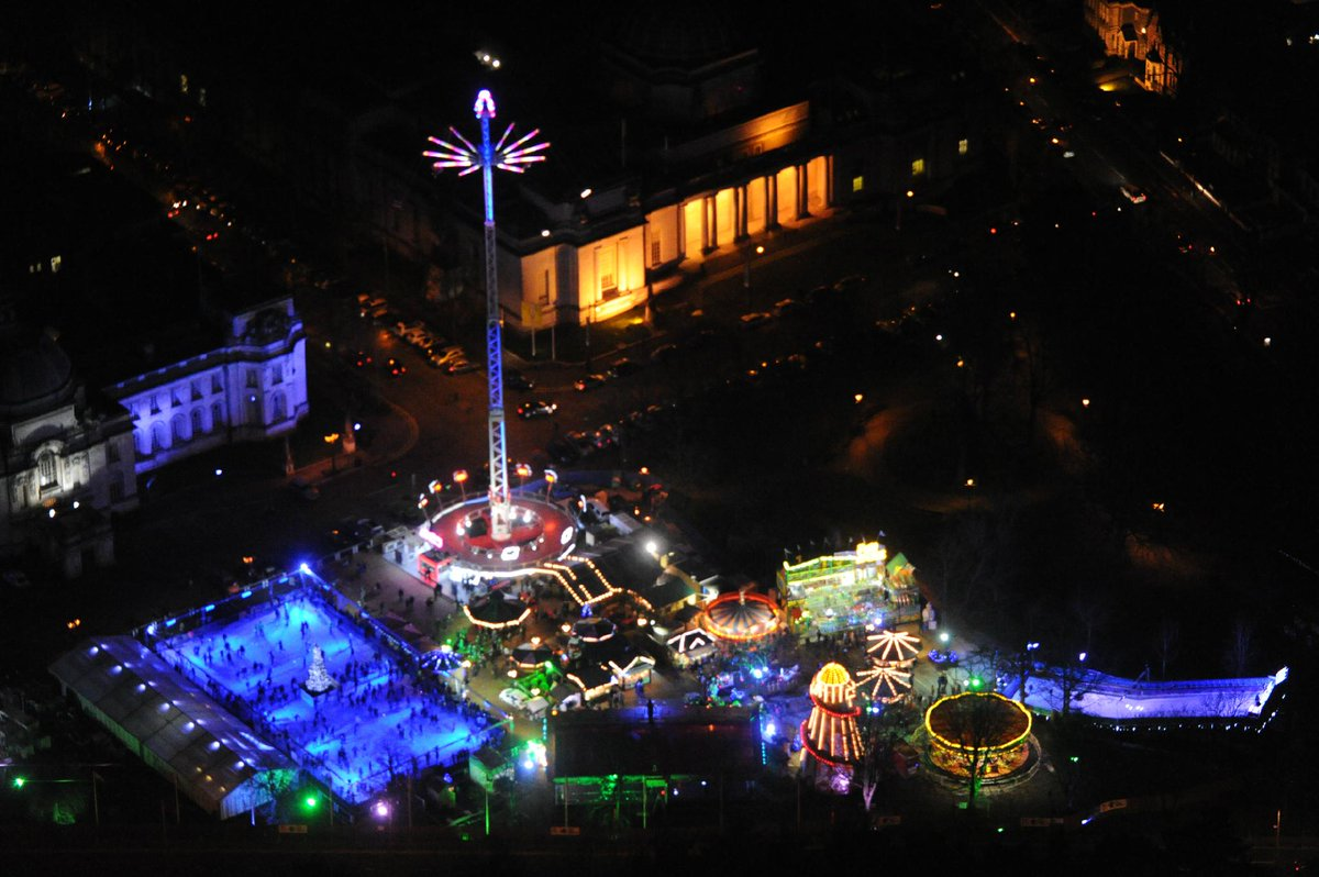 19/12 19:00hrs Cardiff Winter Wonderland looking fantastic from the air !!! http://t.co/VGQAxFI9bn
