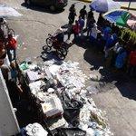Conflicto Alcaldía Soyapango tiene a ciudad sumida en basura.Fotos área centros comerciales en Bul.Ejér.@ElMundoSV http://t.co/PnqtNiPuCF