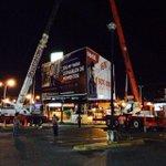 Anoche inició el desmantelamiento de esta estructura y se terminó hace unos minutos. Nunca tuvo permiso.. http://t.co/M9M8XDtA2X