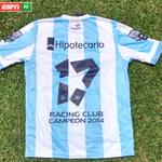 [Concurso - AR, CO, CH, UY, PY, BO y EC] #LaDeRacing17EnFC ¡Seguinos y RT por la camiseta del campeonato de Racing! http://t.co/Oi2tlYFsTy