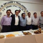 #EnEsteMomento con mis compañeros de trabajo de @CMAS_Xalapa. Me da mucho gusto pasar a saludarlos. #BuenProvecho http://t.co/aFHCM35iSU